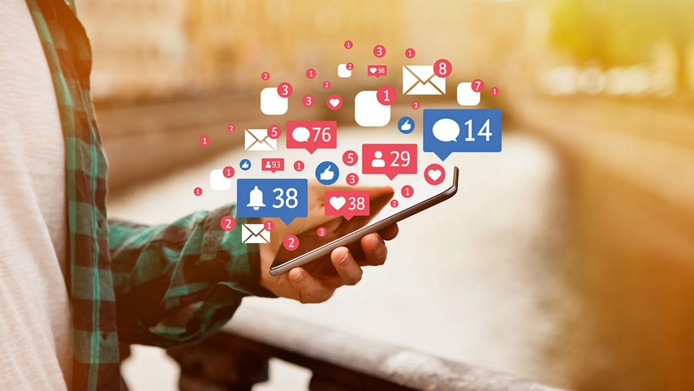boy using social media